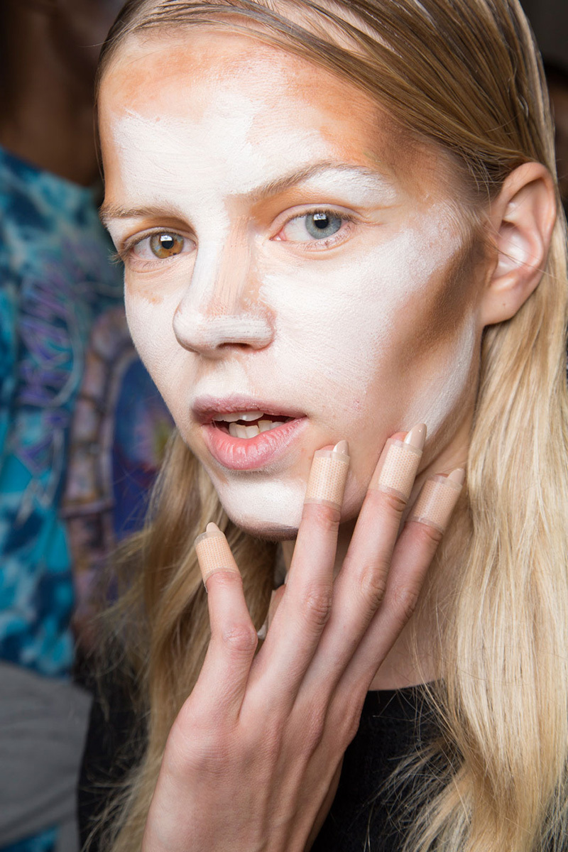 Unblended Contouring: A Scarry Face Before Cosmetic ...