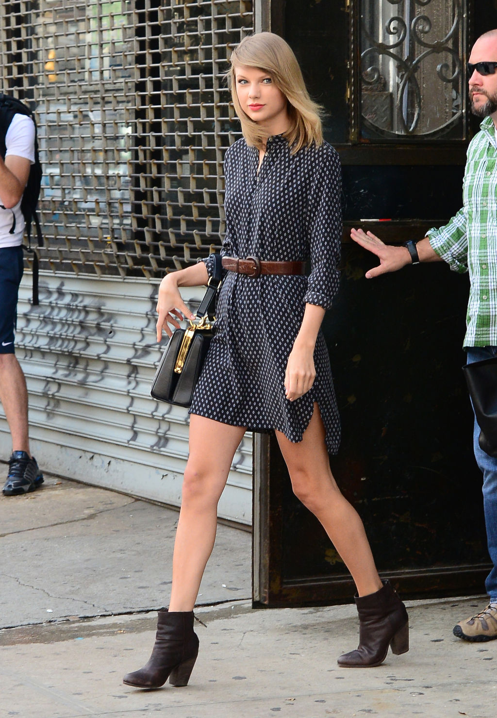 Taylor swift 17 street style Fashion style of taylor swift