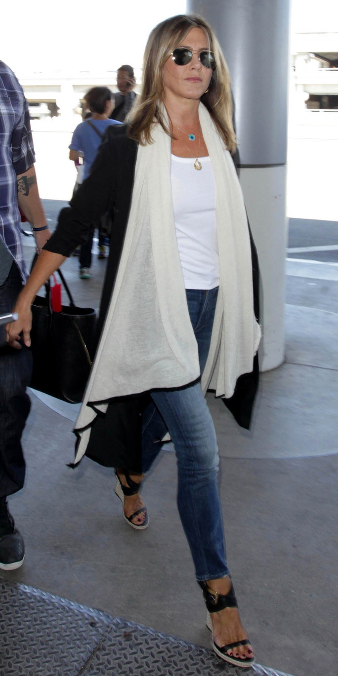 14 street style jennifer aniston Jennifer aniston fashion style pictures