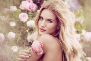 rosie-huntington-whiteley-graces-her-fragrance-campaign-for-ms