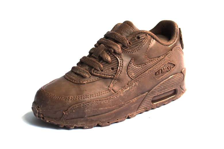 designer-creates-a-chocolate-air-max-90-01