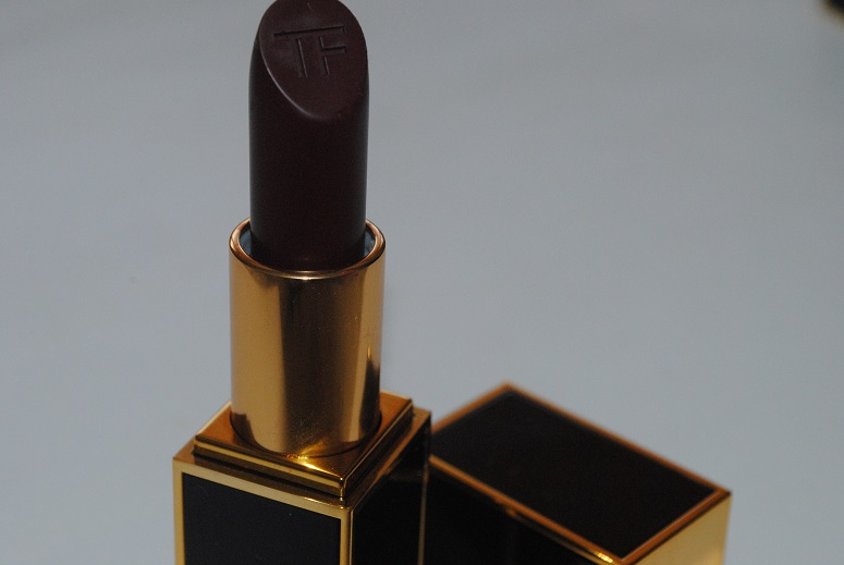 Tom-Ford-Lip-Color-Matte-Review-black-dahlia