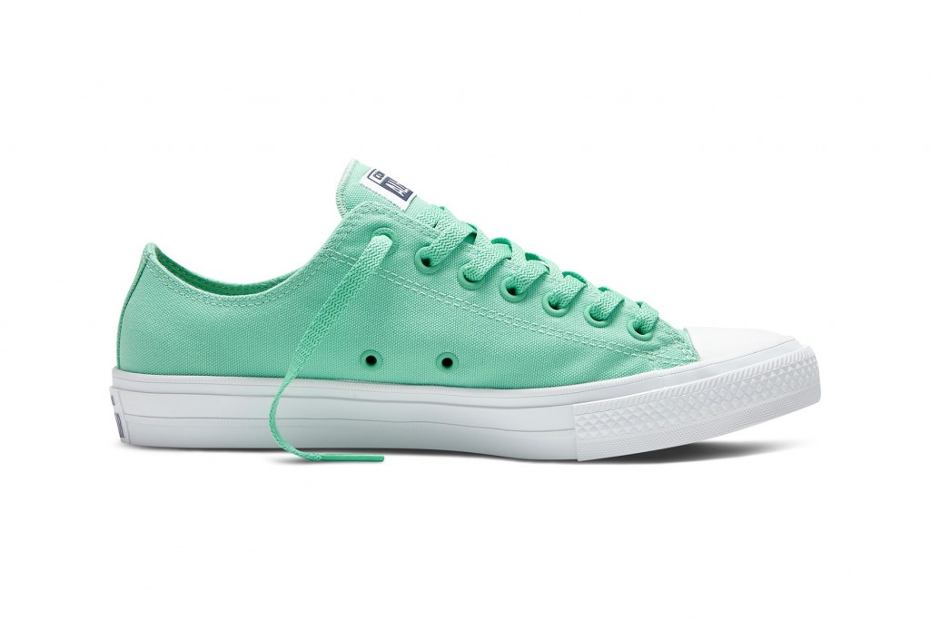 converse-chuck-taylor-all-star-ii-neon-2