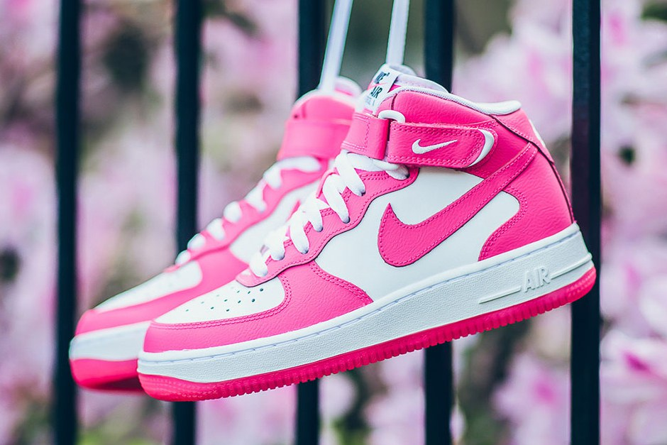nike-air-force-1-mid-hyper-pink-1