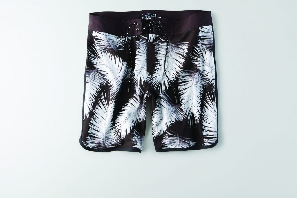 M black and white scallop hem board shorts with whit palm leaf print JAP