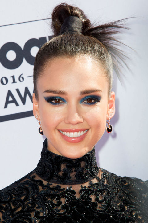 top-knot-hairstyle-3