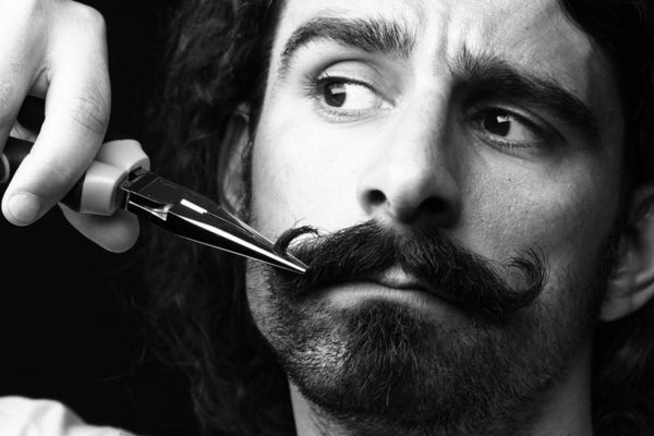 moustache-grooming-2