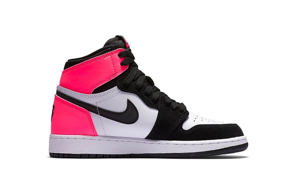"Air Jordan 1 High OG ""Valentine's Day"" 2"